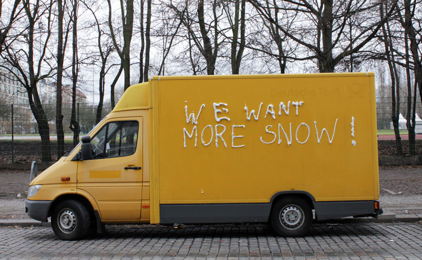 truck | yellow | snow | text-message | berlin | germany | winter10