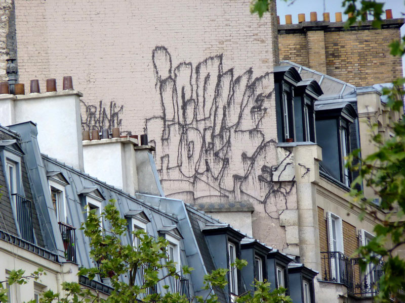 ikone | horfe | drips | rooftop | fire-extinguisher | paris