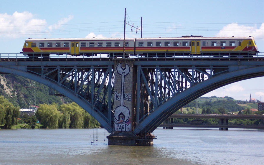 ioke42 | maribor | bridge | train | slovenia | balkans
