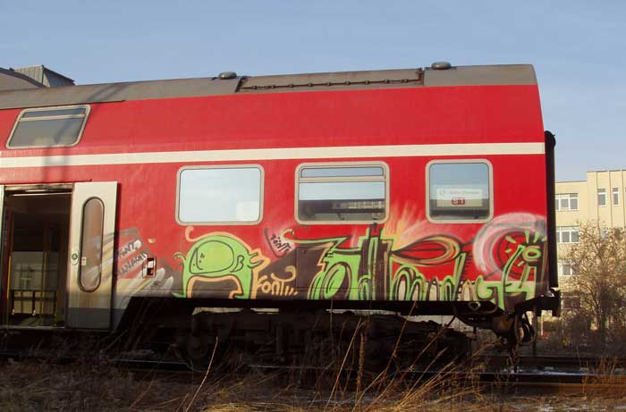-font- | muffl | train | dresden | germany