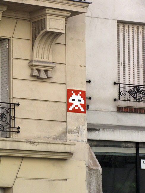 spaceinvader | red | paris